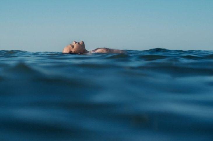 film-un-homme-a-la-mer-photo-2-20160603154344-v2